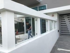 custom glass railings 01