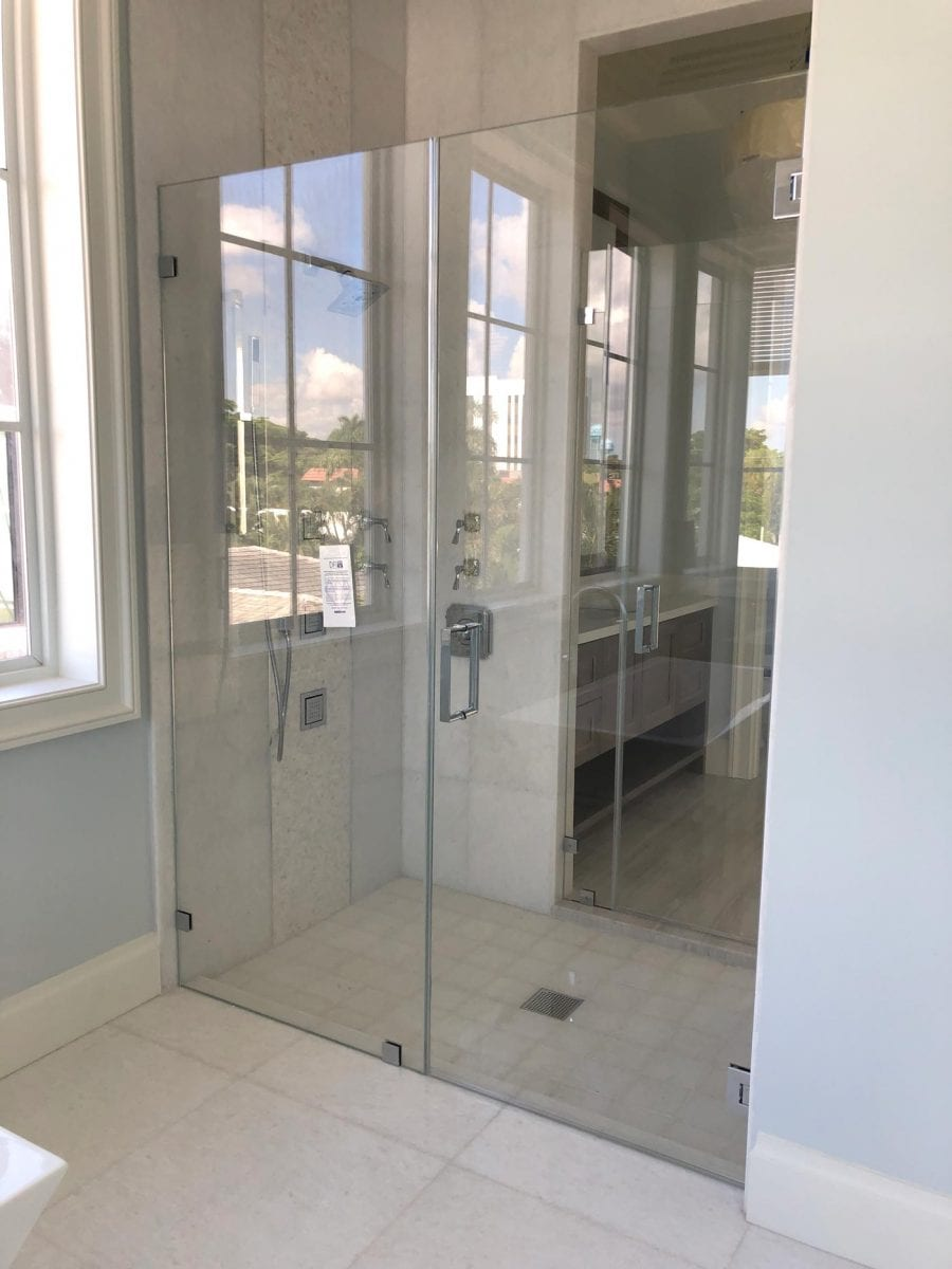 Top 3 benefits of frameless glass shower doors