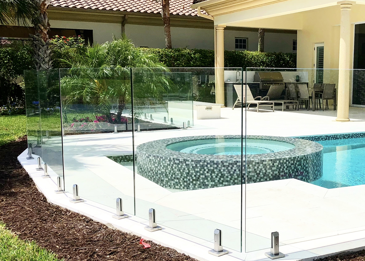 Top 5 benefits of Glass Pool fencing