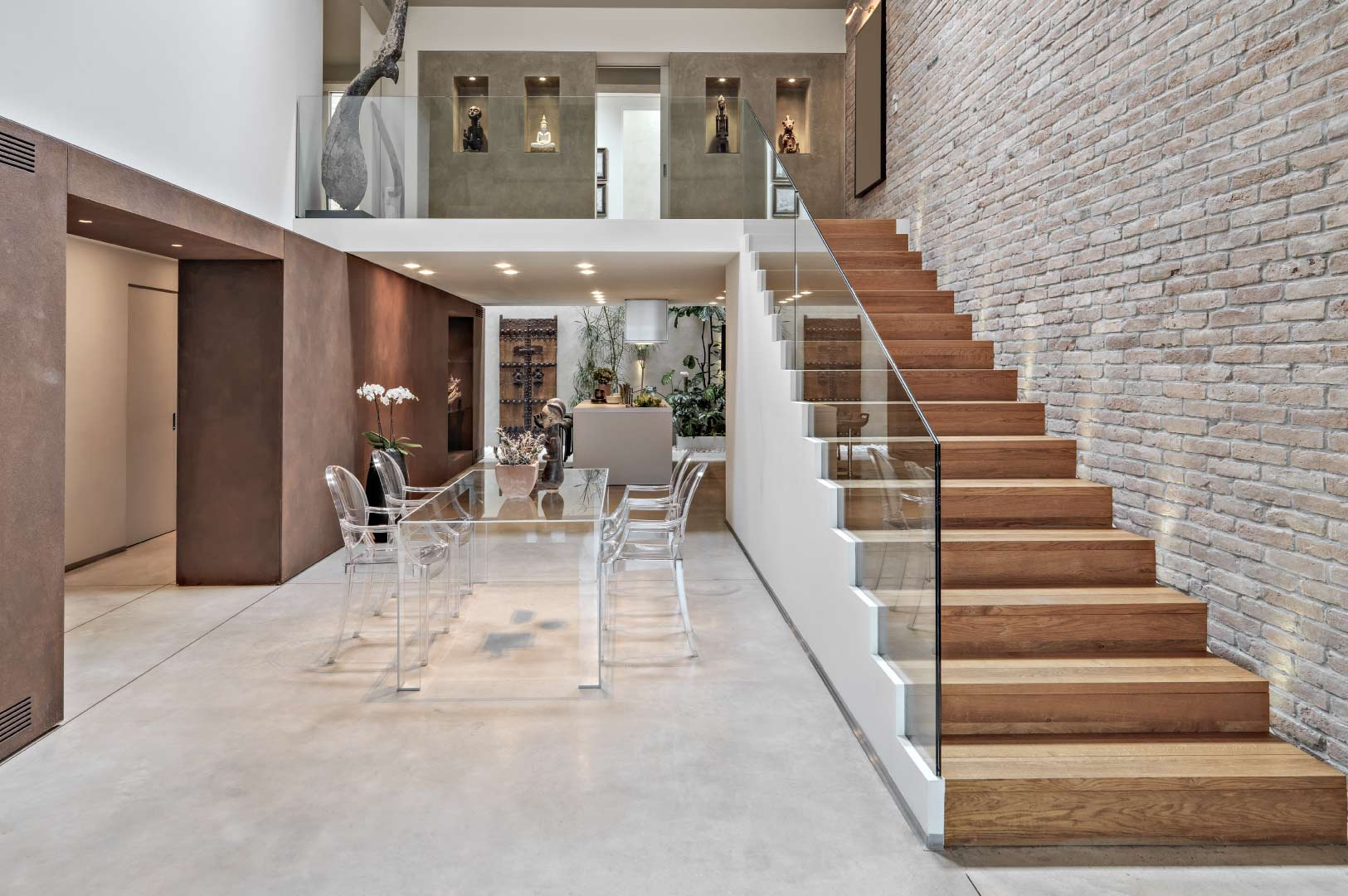 5 Reasons to choose glass for your railings and staircases